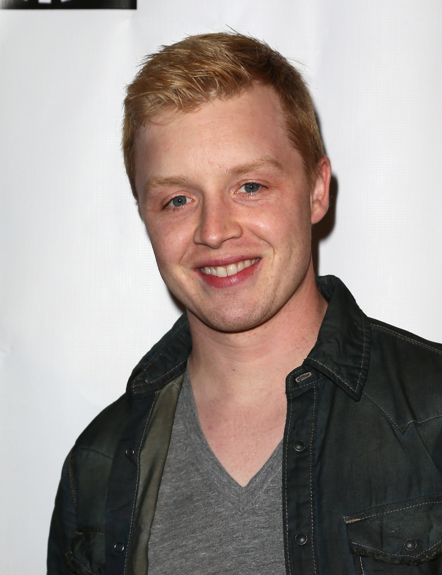 Noel Fisher Destacado en The Hollywood Reporter s...