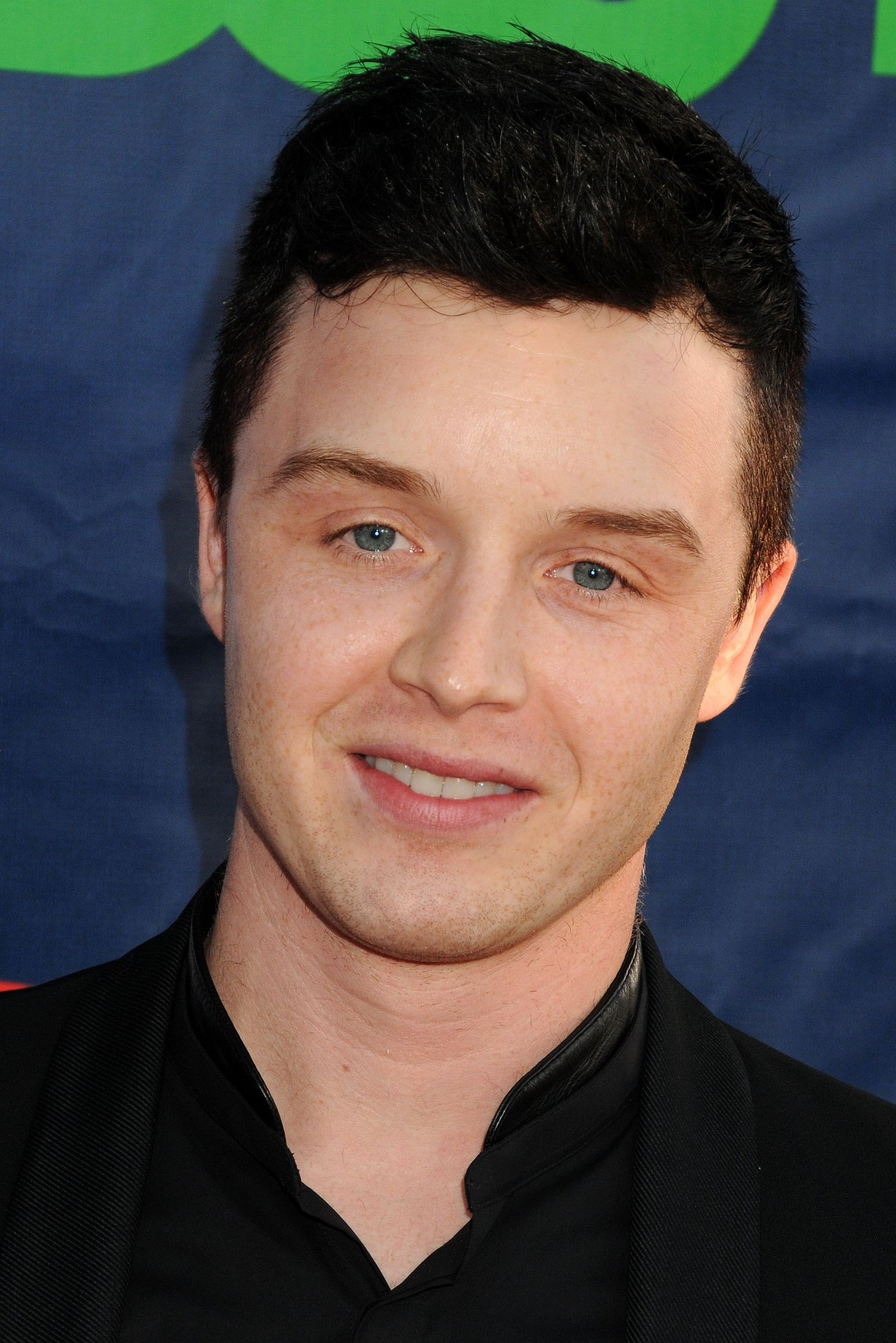 Photos: Noel Fisher Attends the 2014 CBS, The CW & Showtime TCAs ... Breakingdawn